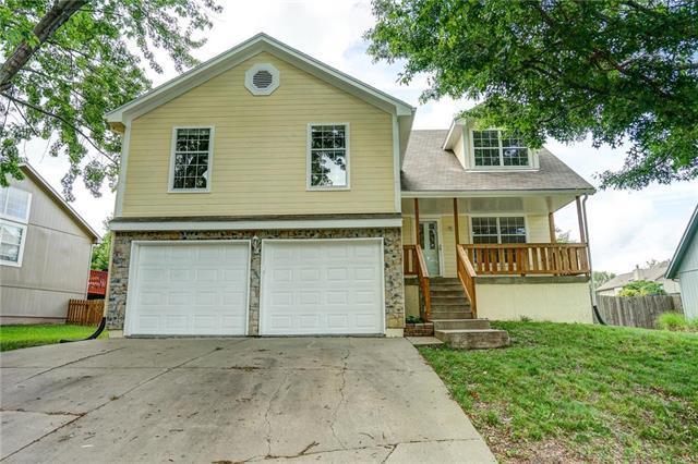 609 NE Ridge Creek Drive, Blue Springs, MO 64014 (#2163928) :: Team Real Estate