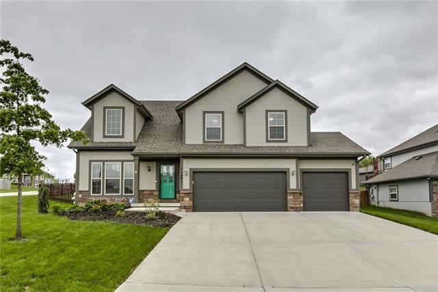 11401 Kimball Avenue, Kansas City, KS 66109 (#2164352) :: Team Real Estate