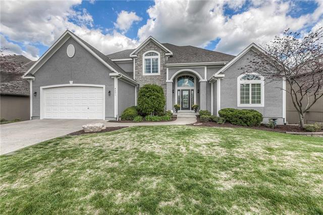 8601 Houston Street, Lenexa, KS 66227 (#2164502) :: House of Couse Group