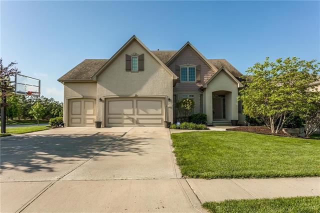 9503 W 160th Terrace, Overland Park, KS 66085 (#2164835) :: House of Couse Group
