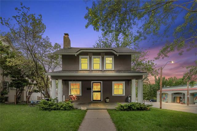 5902 Walnut Street, Kansas City, MO 64113 (#2164848) :: Dani Beyer Real Estate