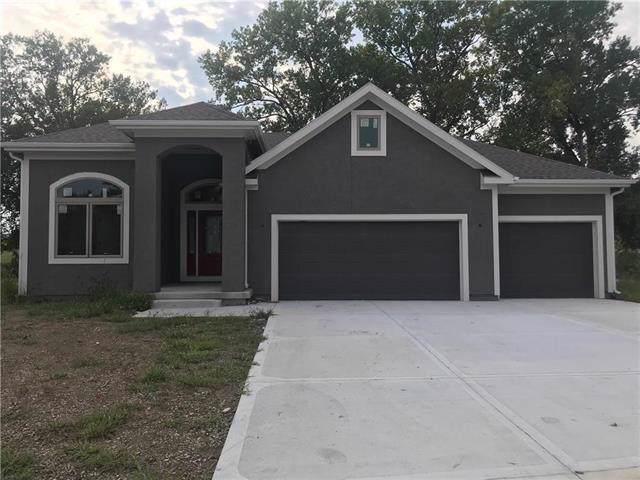 708 155th Terrace, Basehor, KS 66007 (#2164859) :: Eric Craig Real Estate Team