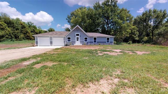 13550 158th Street, Bonner Springs, KS 66012 (#2164978) :: House of Couse Group
