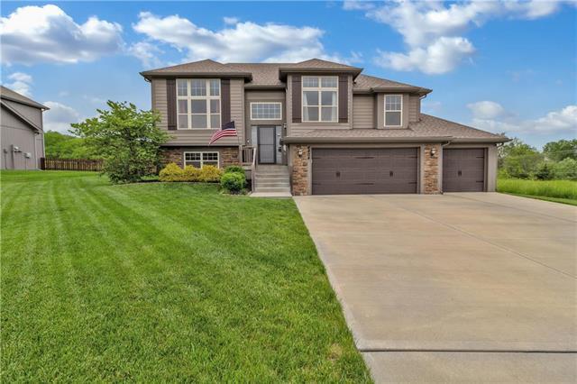 4804 NE 67TH Terrace, Kansas City, MO 64119 (#2165105) :: House of Couse Group