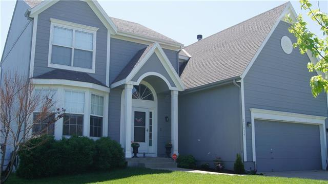 20834 Skyview Lane, Spring Hill, KS 66083 (#2165140) :: House of Couse Group