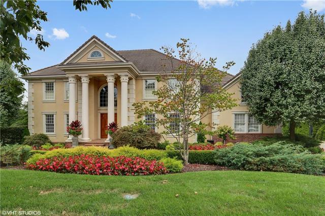 11604 Brookwood Avenue, Leawood, KS 66211 (#2165341) :: Eric Craig Real Estate Team