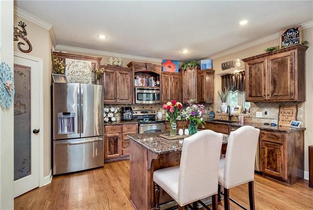 1004 Redwood Lane, Liberty, MO 64068 (#2165593) :: Eric Craig Real Estate Team