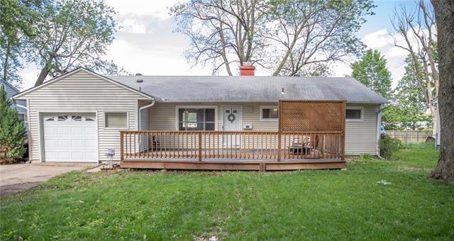 225 SW Mcclendon Drive, Lee's Summit, MO 64081 (#2165612) :: Kansas City Homes
