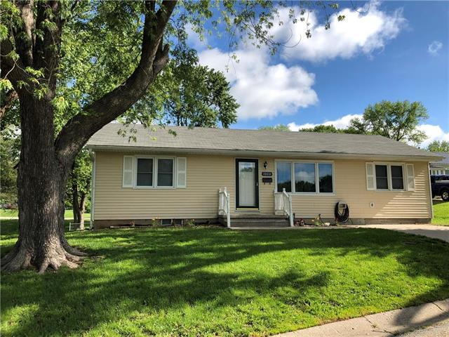 1000 Magnolia West Avenue, Excelsior Springs, MO 64024 (#2165908) :: Kansas City Homes