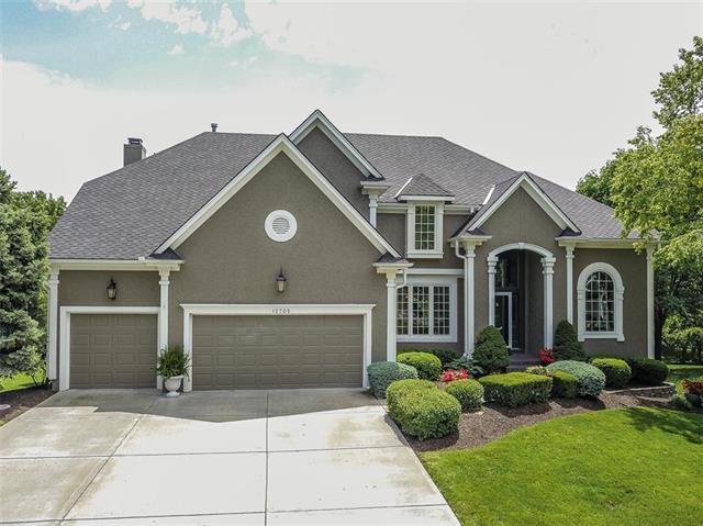 12705 W 130th Terrace, Overland Park, KS 66213 (#2167463) :: House of Couse Group