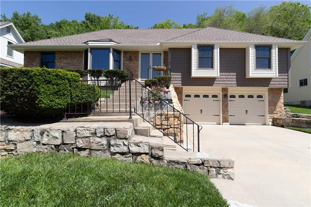 5220 NW 58th Terrace, Kansas City, MO 64151 (#2167631) :: House of Couse Group