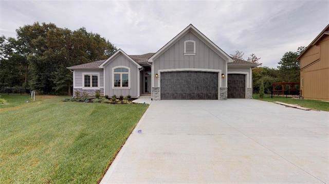 831 155th Circle, Basehor, KS 66007 (#2167779) :: Eric Craig Real Estate Team