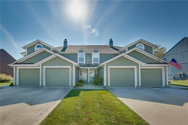 5537 NW Moonlight Meadow Drive, Lee's Summit, MO 64064 (#2167873) :: House of Couse Group