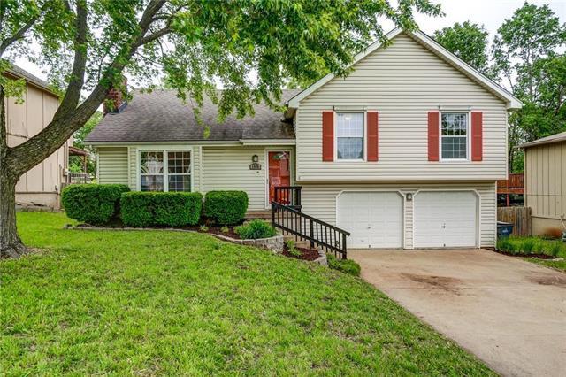 1408 W Prairie Street, Olathe, KS 66061 (#2167904) :: House of Couse Group