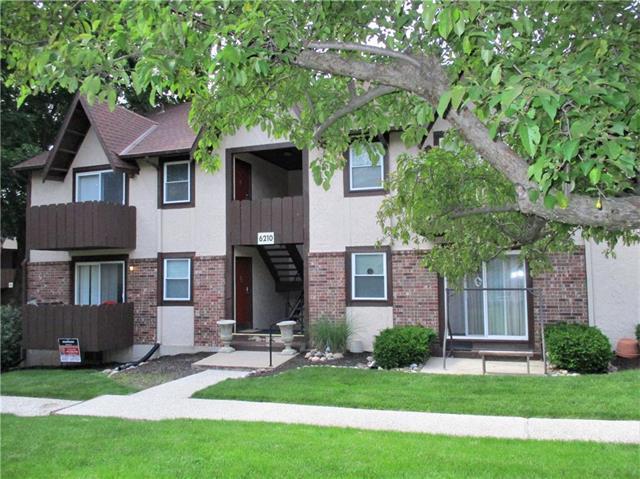 6210 Robinson Street #3, Overland Park, KS 66202 (#2167907) :: Eric Craig Real Estate Team