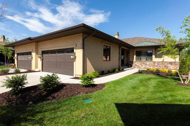 19201 W 102nd Street, Lenexa, KS 66220 (#2168357) :: Eric Craig Real Estate Team
