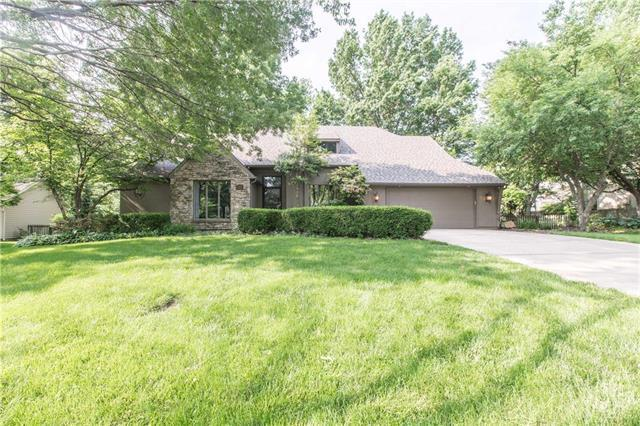 2209 W 123rd Terrace, Leawood, KS 66209 (#2168915) :: House of Couse Group