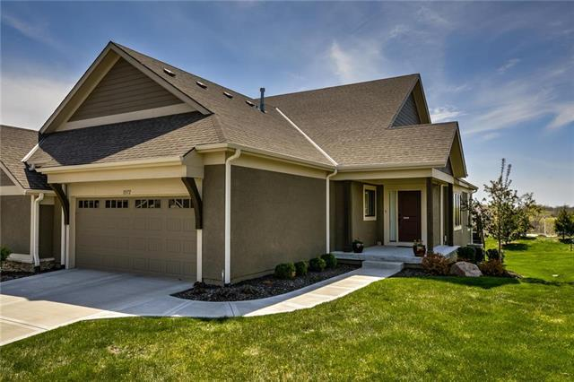 11572 S Waterford Drive, Olathe, KS 66061 (#2168967) :: Clemons Home Team/ReMax Innovations