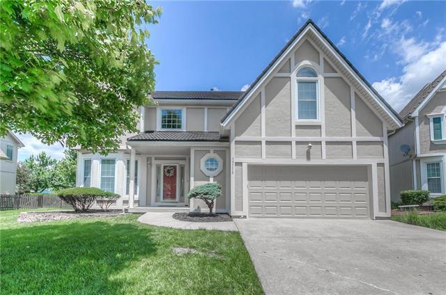 15110 W 143RD Terrace, Olathe, KS 66062 (#2168991) :: House of Couse Group