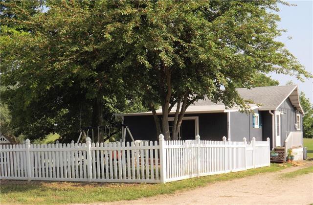 8851 Hickory Lane, Ozawkie, KS 66070 (#2169375) :: Eric Craig Real Estate Team