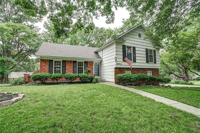 10803 W 96TH Place, Overland Park, KS 66214 (#2170197) :: No Borders Real Estate