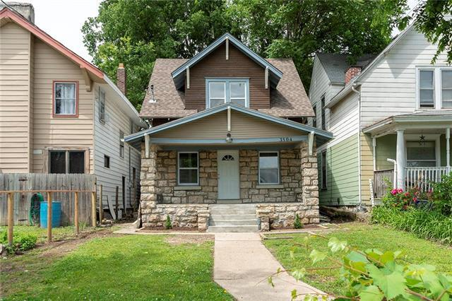3504 E 10th Street, Kansas City, MO 64127 (#2170375) :: House of Couse Group