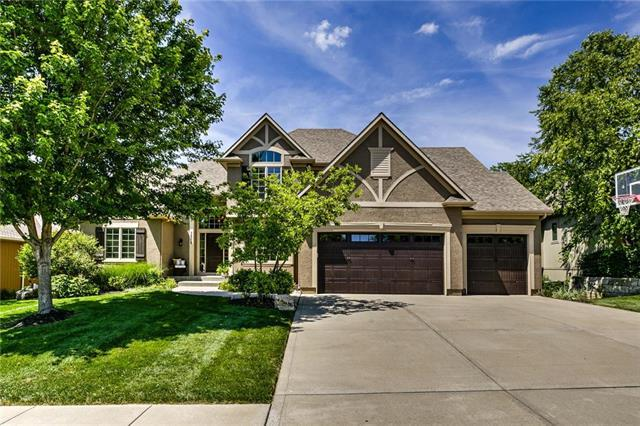 1608 NE Daltons Ridge Drive, Lee's Summit, MO 64064 (#2170495) :: House of Couse Group