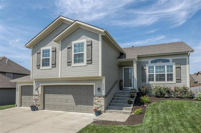 1210 Cooper Drive, Raymore, MO 64083 (#2170687) :: House of Couse Group