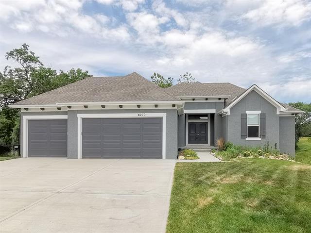 4600 NE 71st Street, Kansas City, MO 64151 (#2170727) :: House of Couse Group