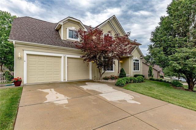 739 Cottonwood Terrace, Liberty, MO 64068 (#2171551) :: Eric Craig Real Estate Team