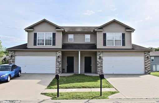 1944 S Powahatan Court, Independence, MO 64057 (#2171903) :: Edie Waters Network