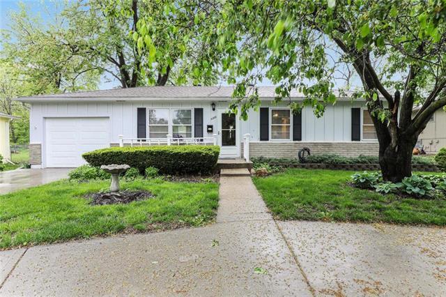 10206 W 55th Street, Merriam, KS 66203 (#2172041) :: Team Real Estate