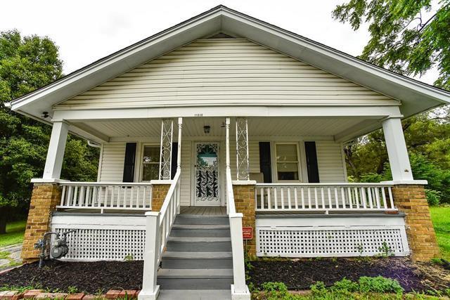 11530 E 10th Street, Independence, MO 64054 (#2172114) :: Eric Craig Real Estate Team