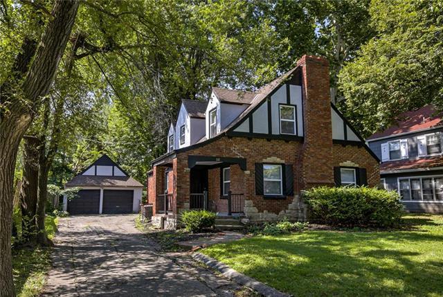 511 E 75th Street, Kansas City, MO 64131 (#2172263) :: Dani Beyer Real Estate