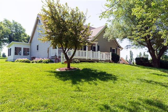 11801 Hills Circle, Kearney, MO 64060 (#2172272) :: Clemons Home Team/ReMax Innovations