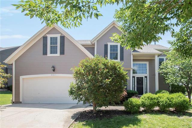 5317 Brownridge Drive, Shawnee, KS 66218 (#2172433) :: Team Real Estate
