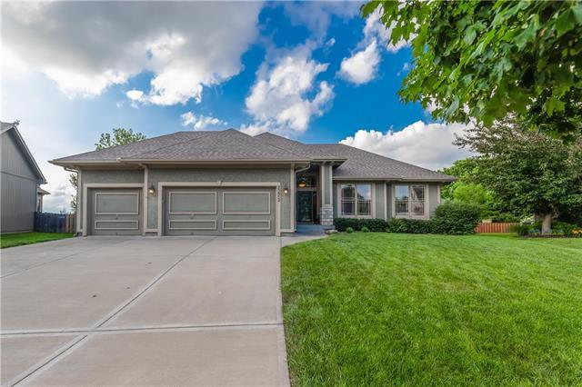 23952 Eagle Court, Paola, KS 66071 (#2173033) :: Kedish Realty Group at Keller Williams Realty