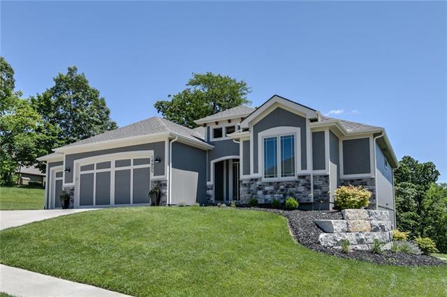 14805 NW 66th Terrace, Parkville, MO 64152 (#2173533) :: Kansas City Homes