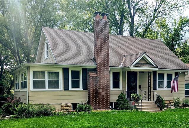 7724 Locust Street, Kansas City, MO 64131 (#2173576) :: Dani Beyer Real Estate