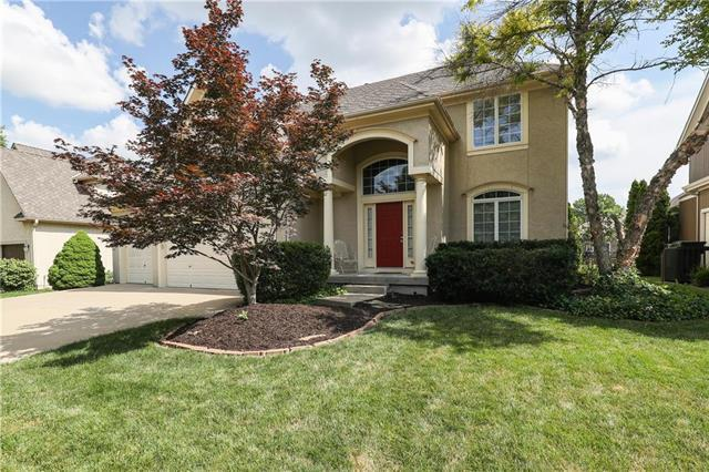19631 W 97th Terrace, Lenexa, KS 66220 (#2174485) :: The Shannon Lyon Group - ReeceNichols