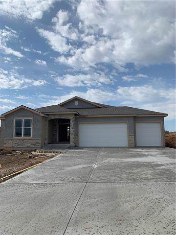 18906 Longview Road, Spring Hill, KS 66083 (#2174799) :: House of Couse Group