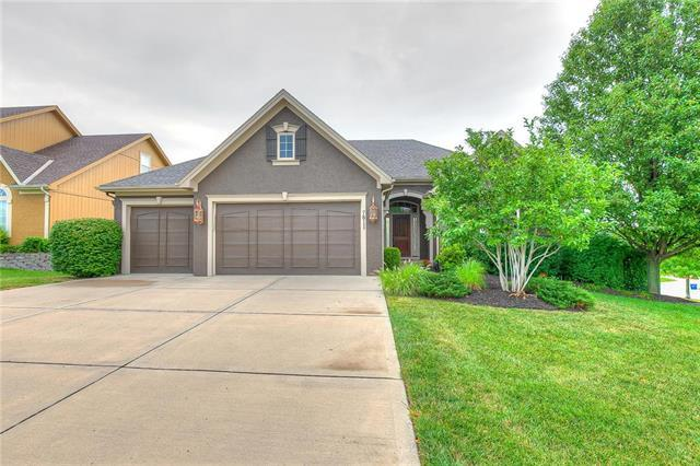 7811 N Dawn Avenue, Kansas City, MO 64151 (#2175541) :: Kansas City Homes