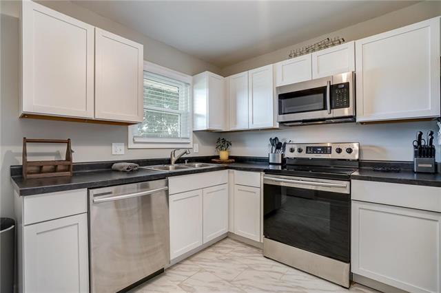 5013 NE 56th Place, Kansas City, MO 64119 (#2175825) :: Stroud & Associates Keller Williams - Powered by SurRealty Network