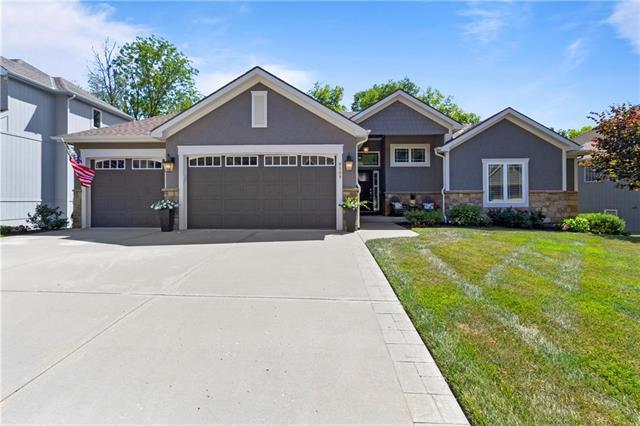 9509 NE 93rd Terrace, Kansas City, MO 64157 (#2175987) :: Eric Craig Real Estate Team