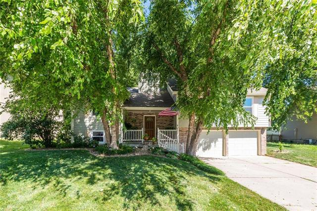 824 Hawthorne Drive, Liberty, MO 64068 (#2176214) :: Team Real Estate