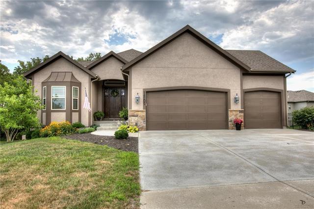 14205 Amanda Lane, Basehor, KS 66007 (#2176544) :: Kansas City Homes
