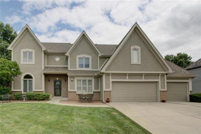 1361 E Sleepy Hollow Drive, Olathe, KS 66062 (#2176944) :: Eric Craig Real Estate Team
