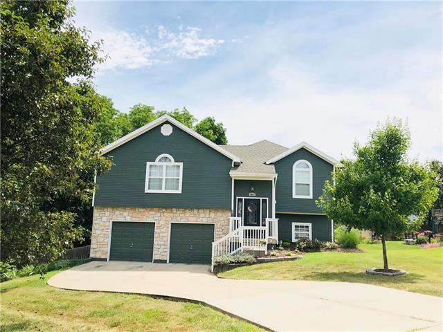 3851 N 113TH Street, Kansas City, KS 66109 (#2177208) :: House of Couse Group