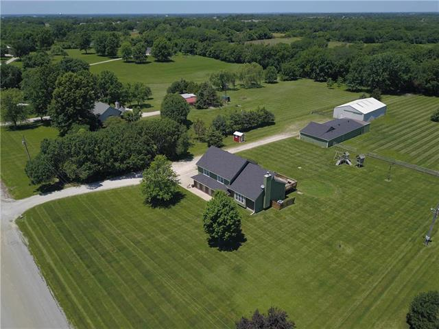 25200 E 258th Street, Harrisonville, MO 64701 (#2177312) :: House of Couse Group