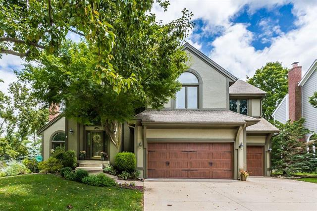 12801 Briar Street, Leawood, KS 66209 (#2177433) :: House of Couse Group
